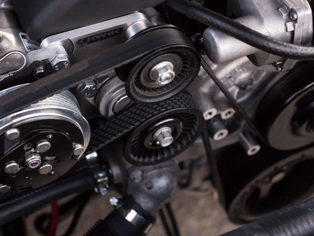 Что обеспечит автомобилю уверенный запуск мотора зимой? И как выбрать моторное масло для низких температур?